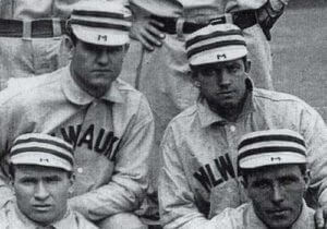 1905_Brewers_CapDetail