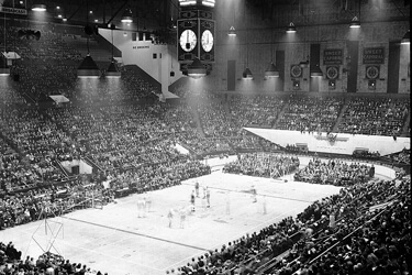 First BAA/NBA Game 1946