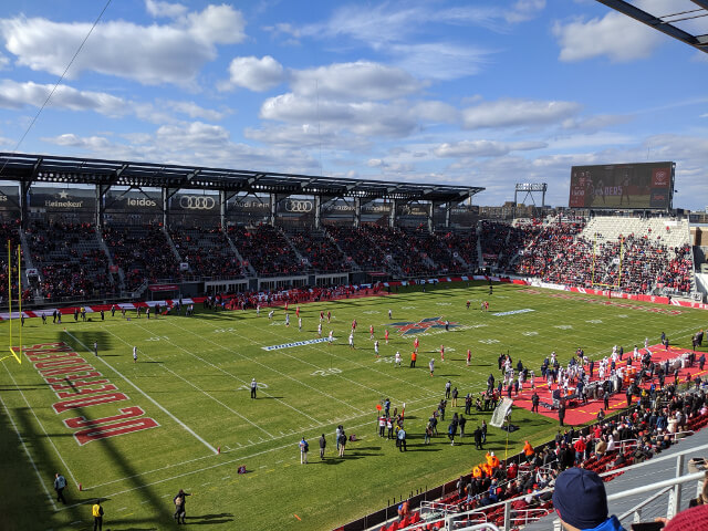 DC_Defenders_kickoff_against_the_Seattle_Dragons_at_Audi_Field